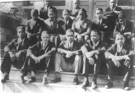 Nu-Chapter-Alpha-Phi-Alpha-Thurgood-Marshall-at-Lincoln